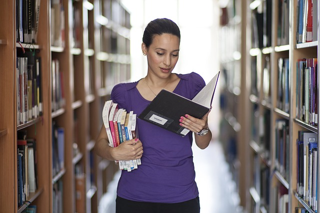 jovem biblioteca | Jobinice