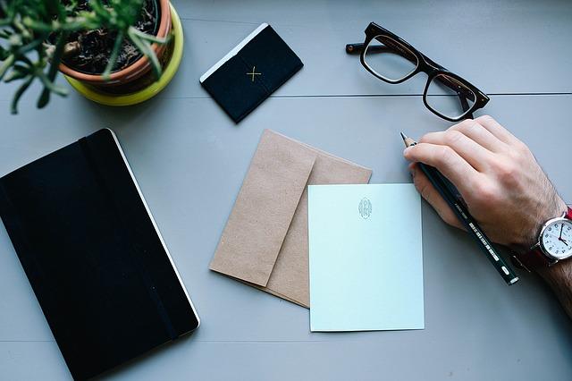 escrever e assinar uma carta