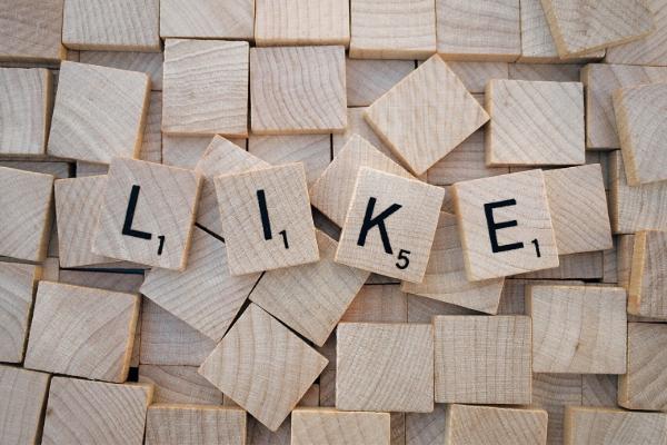 usar as redes sociais para encontrar emprego